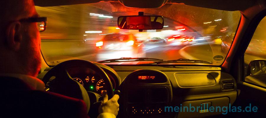 Schlechte Sicht beim Fahren in der Nacht